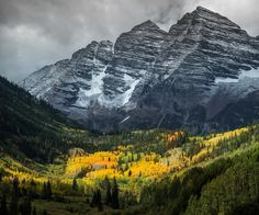 Amber Fall 16-09-2017 | A month ago was up the amazing Maroon Bells the aspen just started to turn yellow.