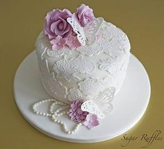 Resultado de imagen de Pretty Birthday Cakes For Women 12th Birthday Cake, Pretty Birthday Cakes, Birthday Cakes For Women, Pretty Cakes, Beautiful Cakes, 70th Birthday, Birthday Cake For Women Elegant, Flower Birthday, Vintage Birthday