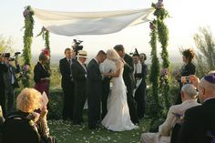chuppahs for weddings | ... , quirky moments make for intimate Tucson wedding « AZ Jewish Post