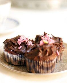 Cupcakes de chocolate con frosting de chocolate