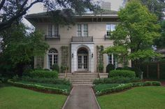 The Bentley House at 6149 Saint Charles Avenue. New Orleans, Louisiana,