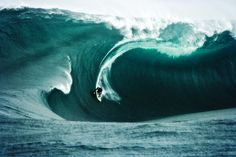 From icy waves to crazy slabs... the OCEAN is pure bliss!     http://​www.oceandefenderhawaii.com​/