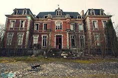 * Abandoned Mansion in Auvergne, France