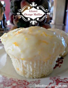 Be Book Bound: Christmas Carols: Dreaming of a White Christmas and Orange Muffins