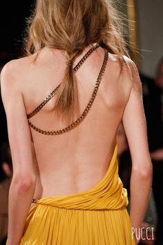 Le dos dénudé d'Emilio Pucci