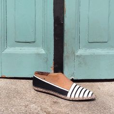 Wooden Shoe Form | Deco Idea | Painted by Marianna Ksydia Mentzelopoulou