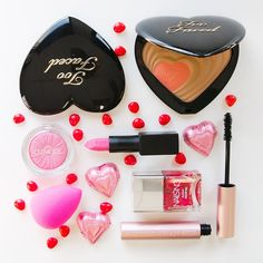 Double tap if you think makeup makes a better gift than flowers for #ValentinesDay @sephora inside JCP #MeadowbrookMall