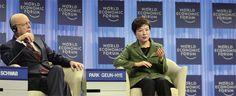 박근혜는 통역기를 왜 안 썼을까 [2014.02.17 제998호]       [김외현의 정치의 속살] 청와대, 다보스포럼에서 한국어 통역 마련하지 않아  과감하게 공식 동시통역 밀어붙이는 건 어땠을까