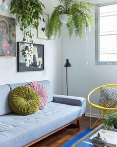 """Histórias de Casa on Instagram: """"como deixar um apartamento alugado com a sua cara? bem, a @belandradelima, moradora desse apê que publicamos, tem algumas dicas: muitos…"""" • Instagram"""