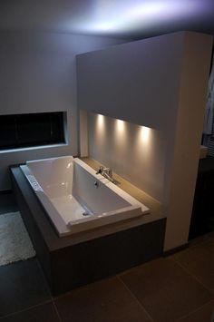 Verlicht bad Laundry Doors, Water Plumbing, Zen Room, Animal Room, Bathroom Makeovers, Stone Veneer, Decks And Porches, Loft Style, Closet Bedroom