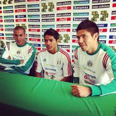 Zona mixta con Torres Nilo, Javier Aquino y Oribe Peralta #sports #soccer #futbol #SeleccionMexicana #Mexico