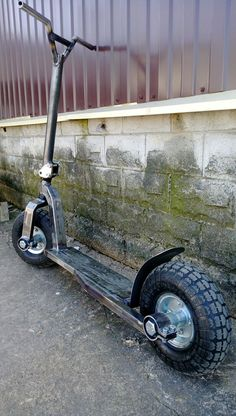 Custom Gas Powered Scooter walk around Metal Projects, Welding Projects, Metal Crafts, Scooter Bike, Kick Scooter, Metal Welding, Welding Art, Gas Powered Scooters, Welding And Fabrication