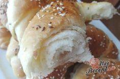 Domácí sádlové rohlíčky | NejRecept.cz Bagel, Hamburger, Food And Drink, Cooking, Recipes, Basket, Bread, Baking Center, Kochen