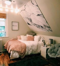 New Best aesthetic room decor images in 2020 Part 26 ; bedroom ideas for small rooms; bedroom ideas for small rooms; bedroom ideas for couples; Small Room Bedroom, Small Rooms, Girls Bedroom, Bedroom Decor, Master Bedroom, Master Suite, Small Spaces, Bedroom Inspo, Wall Decor