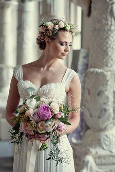 romantic bridal look | photo by @Sara Vieira