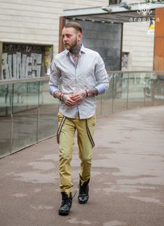 hipster look.. http://www.aragaza.com/