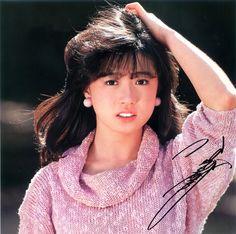 中森明菜 Cute Girls, Cool Girl, Funky Outfits, Thai Art, Special Person, 80s Fashion, Asian Woman, Asian Beauty, Idol