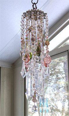 A beautiful antique crystal wind chime Crystal Wind Chimes, Diy Wind Chimes, Dreams Catcher, Sun Catcher, Mobiles, Shabby, Bling Bling, Crystal Design, Glass Art