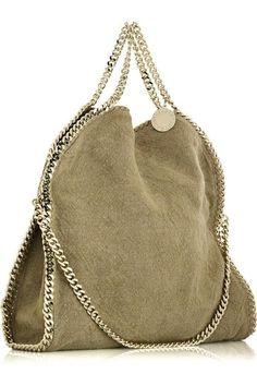 Gold Chain Men Outfit Canvas Gold Bag Comes from Stella McCartney on January 2011 @ Beige canvas tote bag with gold chain from side view Sac Michael Kors, Handbags Michael Kors, Purses And Handbags, Mk Handbags, How To Have Style, Sacs Design, Design Web, Bags 2018, Mk Bags