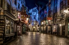 Harry Potter fans: Prepare yourselves for the ultimate joyride. Two months ahead of the grand opening of the Wizarding World of Harry Potter at Universal Studios Hollywood, one of the rides, which takes participants on a broom ride through… Harry Potter Pc, Harry Potter Diagon Alley, Harry Potter Tumblr, Harry Potter Movies, Desktop Wallpaper Harry Potter, Wallpaper Pc, Computer Wallpaper, Hogwarts, Harry Potter Background
