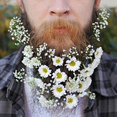Guys Are Decorating Their Beards with Flowers to Celebrate Spring's Arrival - My Modern Met