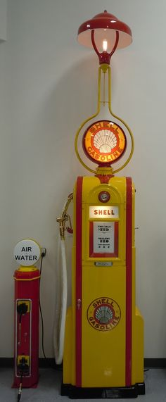 Restored Wayne 60 with stationlighter with matching Eco Islander Air Meter.