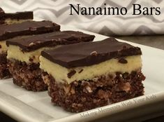 Nanaimo Bars {Secret Recipe Club Holiday Treats} - Making Memories With Your Kids Drop Cookies, No Bake Cookies, Bar Cookies, Nanaimo Bars, Pudding Cookies, Peruvian Recipes, No Bake Bars, Food Club, Thinking Day