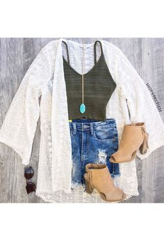 Sonia Lace Kimono // Shop Priceless - Wanelo App for Shopify Outfits 2016, Summer Outfits, Cute Outfits, Casual Outfits, Teen Fashion, Fashion Outfits, Kimono Outfit, Fringe Booties, Lace Kimono