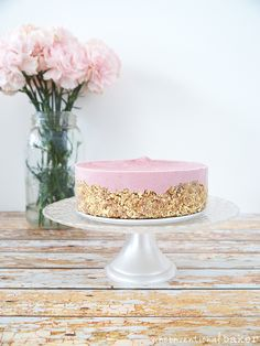 Raw Strawberry Cheesecake {Free From: gluten & grains, eggs, dairy, and refined sugar}