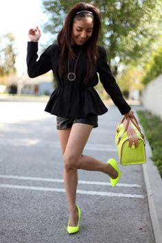 pretaportre: Dulce Tejeda from Dulce Candy in a HM Peplum jacket and leather shorts, Aldo neon pumps, Claudia Firenze handbag, and House of Harlow 1960 Sunburst necklace. Neon Pumps, Neon Shoes, Bright Shoes, Colorful Shoes, Yellow Shoes, Neon Yellow, Peplum Coat, Neon Accessories, Fashion Vestidos
