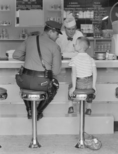 The-Runaway_reference-photo - Norman Rockwell Museum - The Home for American Illustration Norman Rockwell Art, Norman Rockwell Paintings, Vintage Photographs, Vintage Photos, Saturday Evening Post, American Illustration, Soda Fountain, The Good Old Days, Running Away