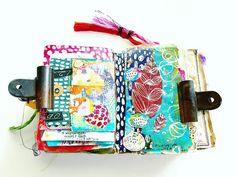 No photo description available. Art Journal Pages, Junk Journal, Art Journaling, Art Doodle, Art Journal Inspiration, Journal Ideas, Gelli Arts, Mixed Media Journal, Creative Journal