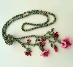Beaded jewelry by Valentine Moon.   Wow.....gorgeous!!