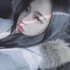 Image about girl in ulzzang 🌵 by weiji on We Heart It Uzzlang Girl, K Fashion, Korean Fashion, Korean Ulzzang, Korean Girl, Cute Asian Girls, Cute Girls, Korean Beauty, Asian Beauty