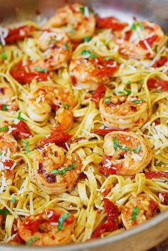 If you like shrimp scampi but want something more than just plain shrimp with butter, olive oil and garlic, then try this Shrimp Scampi Linguine Pasta with Sun-Dried tomatoes. You'll love this yummy twist Shrimp Linguini, Creamy Shrimp Scampi, Healthy Shrimp Scampi, Seafood Linguine, Shrimp Scampi Pasta, Linguine Recipes, Seafood Pasta Recipes, Seafood Dishes, Pasta Dishes
