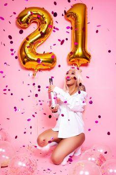 super ideas birthday photoshoot ideas for 18 21st Bday Ideas, 21st Birthday Decorations, 21st Birthday Gifts, 22nd Birthday, Girl Birthday, Birthday Cake, 21 Birthday Outfits, 25th Birthday Ideas For Her, 21st Birthday Themes