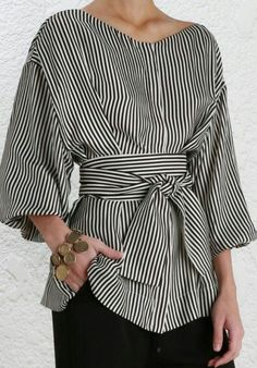 Loose Ball sleeve in Black and White stripes and a m… Fashion Fall Style Blouse. Loose ball in black and white stripes on a tight black skirt. Skirt Fashion, Hijab Fashion, Fashion Dresses, Trendy Dresses, Tight Dresses, Mode Outfits, Casual Outfits, Mode Top, Moda Plus Size
