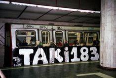by: Taki 183 Graffiti History, New York Graffiti, Street Art Graffiti, Graffiti Artists, Wild Style, Banksy, Old School Fashion, Graffiti Tagging, Hip Hop Art
