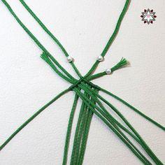 DSCF4409 Macrame Bracelet Tutorial, Macrame Necklace, Macrame Bracelets, Diy Friendship Bracelets Patterns, Mandala, Macrame Patterns, Micro Macrame, Macrame Jewelry, Tie Knots