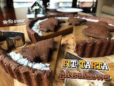 FIT TARTA PIERNIKOWA z kokosowym kajmakiem Personal Trainer, Gingerbread, Baking, Fitness, Food, Recipes, Gastronomia, Pies, Knee Fat