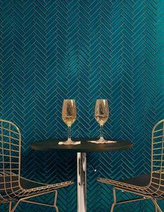 Restaurant Bleu, Teal Kitchen, Neutral Kitchen, Kitchen Pantry, Kitchen Backsplash, Tile Layout, Herringbone Tile, Ideas Hogar, Teal Walls