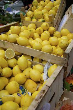 Taken in borough market on new year eve Fruit And Veg, Fruits And Vegetables, Borough Market London, Lemon Head, Fruit Shop, Limoncello, England Uk, London England, Nice View