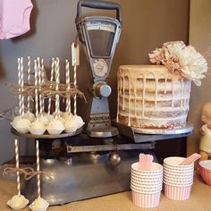 Naked Cake Rustic Theme & Cake Pops #DvasCakses