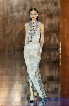 Valentino Spring / Summer 2003 Haute Couture #inspiration #blog #blogger #tumblr #fashion #style #models #photography #vogue http://www.midnight-charm.com/