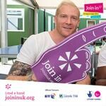 Iwan Thomas lends a hand for Join In