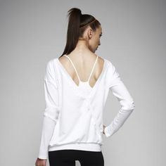 A flattering layering top to wear to the gym and after!