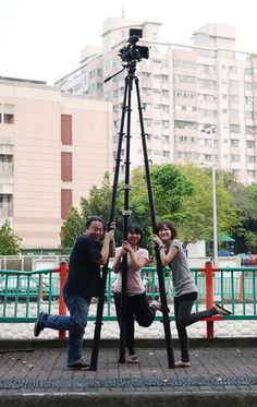Tree-pod: The Tripod That Can Double as a Three-Legged Ladder