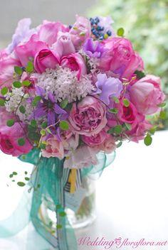 12月1日月曜日 イブピアチェのナチュラルクラッチブーケ : FLORAFLORA*precious flowers*ウェディングブーケ会場装花&フラワースクール*