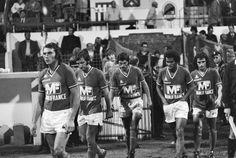 Piazza, Farison, Santini, Janvion et Rocheteau pénètrent sur le terrain avec un seul objectif : s'imposer devant Lens. (ASSE-Lens : 2-0, 22/08/1975)