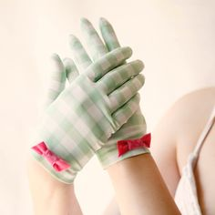 Checked Vintage Gloves...